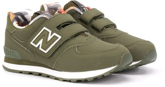 New Balance Logo Low-Top Trainers
