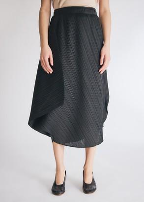 Pleats Please Issey Miyake Women's Curve Skirt in Black, Size 3