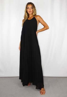Missguided Black Halter Neck Pleated Maxi Dress