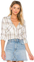 Bella Dahl Two Pocket Button Down in White. - size L (also in M,S,XS)