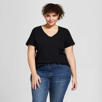 Universal Thread Women's Plus Size Monterey Pocket V-Neck Short Sleeve T-Shirt