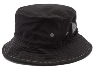 and wander Reflective-logo Topstitched Bucket Hat - Black