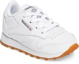 Reebok Classic Gum Sneaker (Baby, Walker & Toddler)