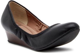 Susina Fraya Wedge Pump - Wide Width Available