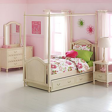 JCPenney Paige Canopy Bedroom Furniture