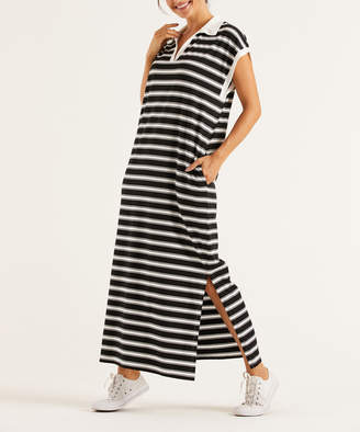 Simple By Suzanne Betro Simple by Suzanne Betro Women's Casual Dresses 101BLACK/WHITE - Navy Scoop-Neck Pleated-Accent Tunic - Women