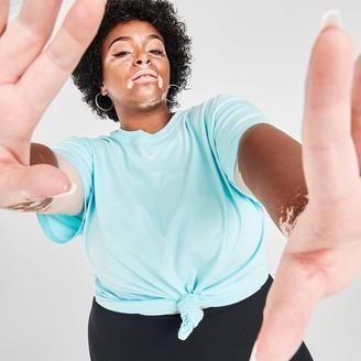 Nike Women's Sportswear Essential Boyfriend T-Shirt (Plus Size)