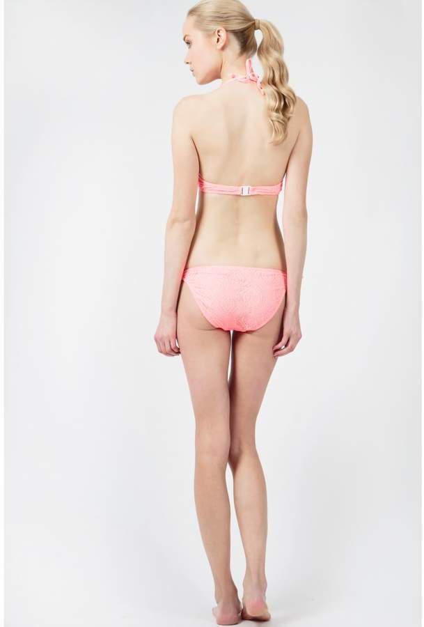 Select Fashion Fashion Womens White Eve Padded Crochet Bikini Top - size 10