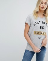 Tommy Hilfiger Logo T-shirt with Foil Detail