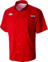 Columbia Men's Arkansas Razorbacks College Tamiami Short-Sleeve Shirt