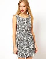 Yumi Lace Print Dress With Zip Pockets - Black