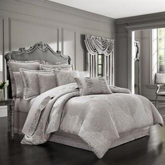 J Queen New York La Scala 4-Piece Queen Comforter Set in Silver