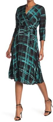 Gabby Skye Kimono Sleeve Textured Satin Midi Dress