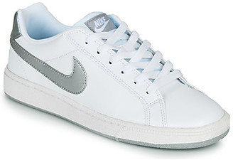 Nike COURT MAJESTIC women's Shoes (Trainers) in White