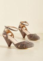Currant Scones Heel in Stone in 8.5