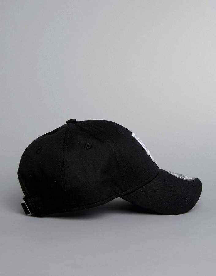 New Era La Black 9forty Cap