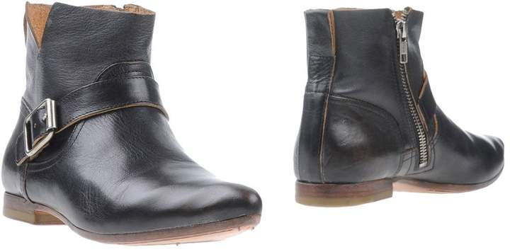 Moma Ankle boots