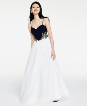 Blondie Nites Juniors' Floral-Applique Mesh Gown