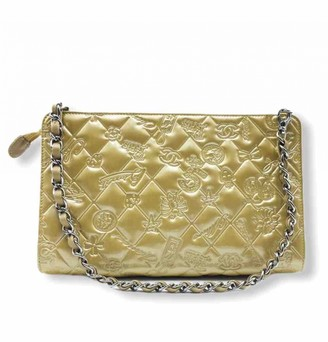 Chanel Beige Patent leather Clutch bags
