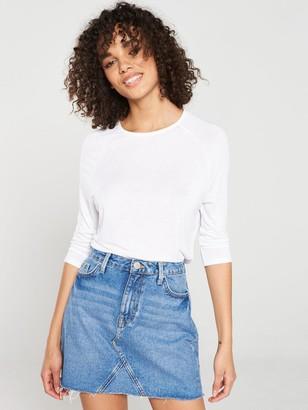 Very The Essential Three Quarter Sleeved Raglan Top - White