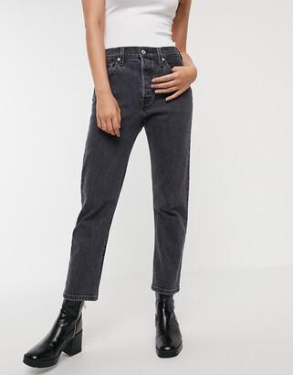 Levi's 501 crop jean in clean rinse in black