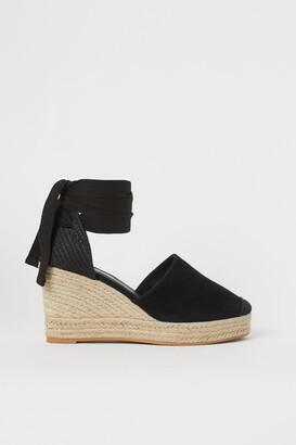 H&M Suede Wedge-heeled Sandals - Black