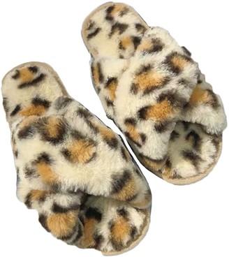 Goodnight Macaroon 'Jennifer' Leopard Print Criss Cross Faux Fur Slippers (4 Colors)