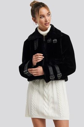 NA-KD Adorable Caro X Faux Fur Cropped Jacket Black