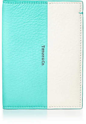 Tiffany & Co. & Co. Color Block passport cover in off-white and Blue grain calfskin leather