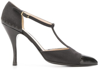 Chanel Pre Owned 2000 Buckle Fastening Pumps