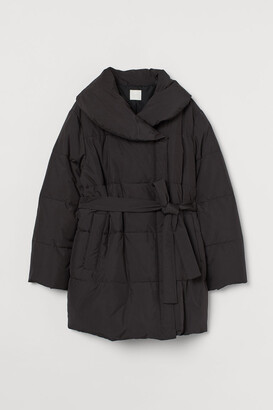H&M MAMA Padded jacket