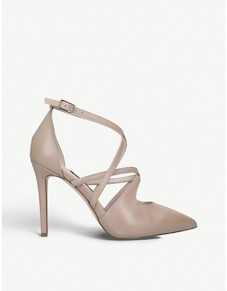 Nine West Tuluiza strappy leather courts