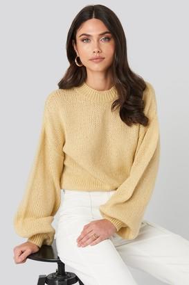 NA-KD Crew Neck Volume Sleeve Knitted Sweater Beige