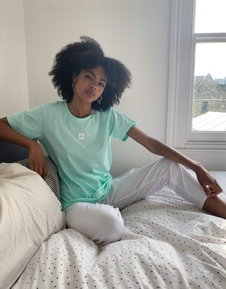 The North Face central logo oversized boyfriend t-shirt in blue