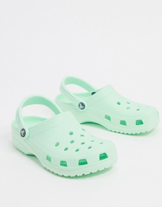 Crocs classic shoe in mint