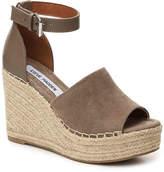 Steve Madden Women's Jaylen Wedge Sandal -Taupe