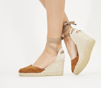 Gaimo for OFFICE Ankle Wrap Heels Tan Suede Gold Rand