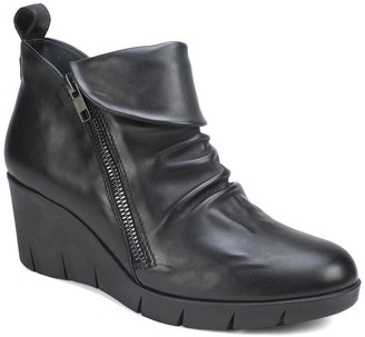 Cliffs By White Mountain Penwood Leather Wedge Bootie