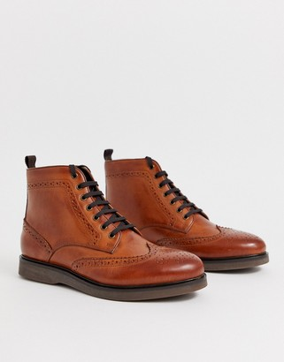 Calverston brogue boots in tan leather