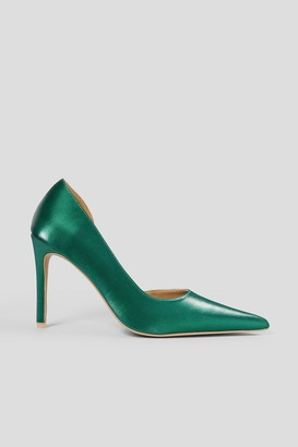 NA-KD Metallic Side Cut Pumps