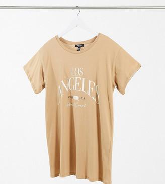 New Look Plus New Look Curve oversized boyfriend Los Angeles logo T-shirt in mink