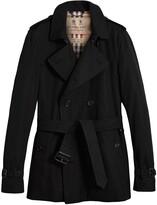 Burberry The Kensington short trench coat