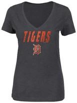 MLB Detroit Tigers Women's V-Neck Heather Gray Glitter Print T-Shirt