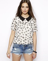Max C London Daisy Print Blouse with Collar - White