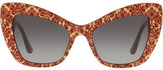 Cat Eye Cat-Eye Tinted Sunglasses