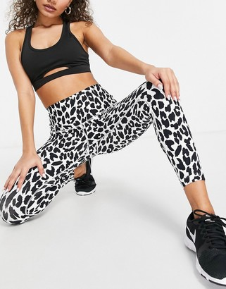 Lorna Jane ankle biter leggings in lynx print