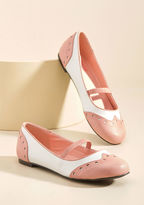 ModCloth Wingtip the Balance Oxford Flat in Pink in 10