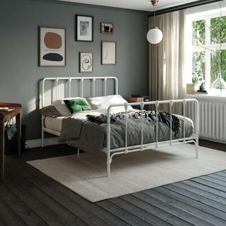 Laurel Foundry Modern Farmhouse Viviana Farmhouse Metal Platform Bed Color: White, Size: Queen