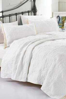 California Design Den King EVA Tassel Quilt Set - White