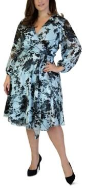 Maree Pour Toi Plus Size Burnout Wrap Dress